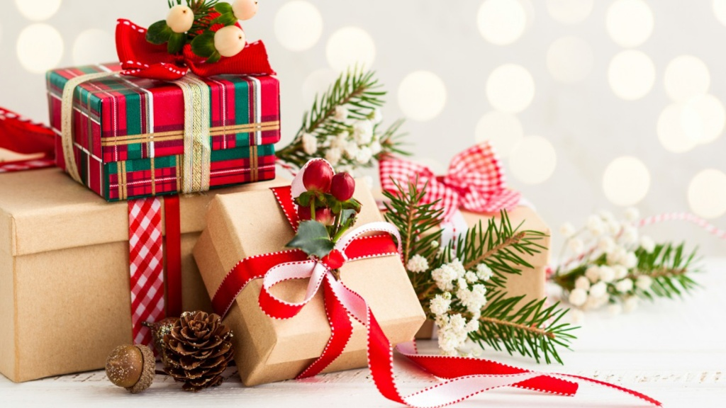Holidays_Christmas_Gifts_461315.JPG